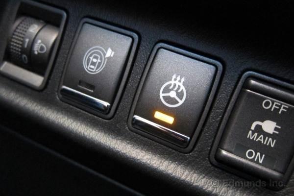 Теплый руль – весьма привлекательная опция, которая значительно повышает уровень комфорта. Но в чем плюсы подобного функционала и какова его цена?
