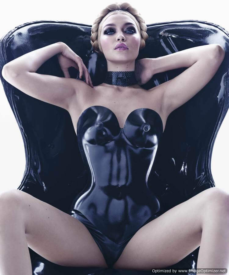 Сексуальные красотки от Pirelli: новый календарь на 2015 год