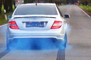О чем сигнализируют различные оттенки дыма из выхлопной трубы?