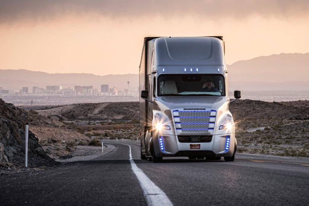 Новые уникальные беспилотные грузовики от компании Daimler пройдут испытания на скоростных автомагистралях Германии, а со временем и по территории всей страны.