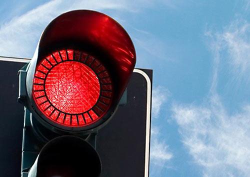 В Америке (штат Огайо) принят закон о возможности проезда на красный сигнал светофора. Как быть водителям и чем руководствоваться при движении?