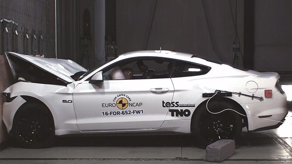 Автомобиль Ford Mustang: «двоечник» по результатам краш-теста