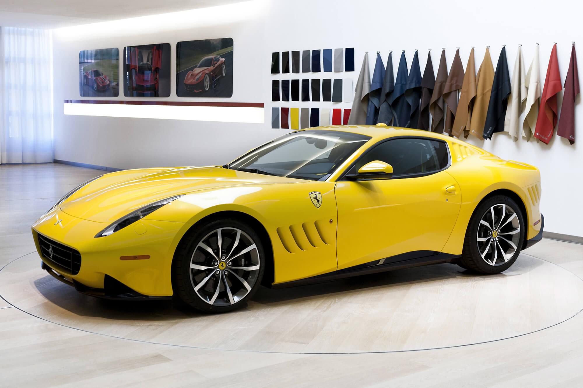 Ваши инициалы в индексе модели Ferrari – легко