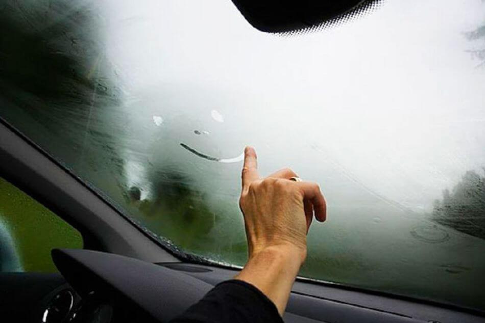 В автомобилях Toyota больше не будут потеть стекла