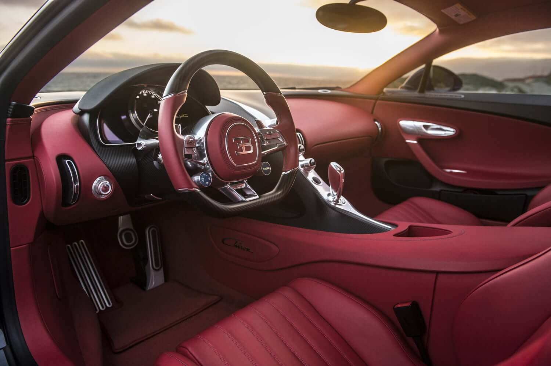 Bugatti отзывает сорок семь гиперкаров Chiron