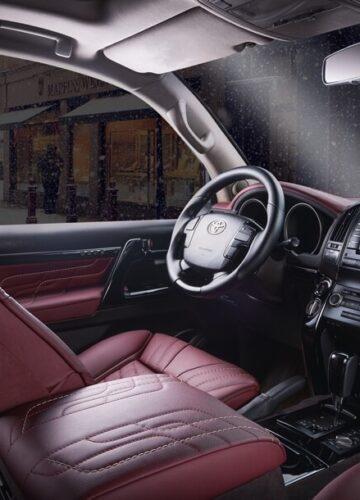 Toyota Land Cruiser получила новый интерьер