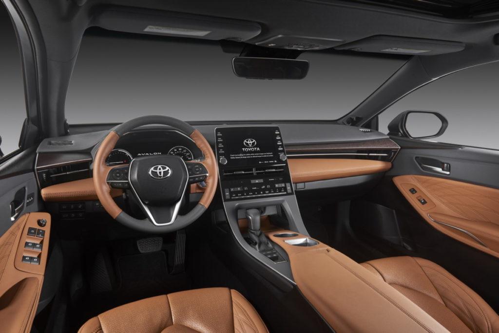Toyota Avalon: фото с Детройтского автосалона