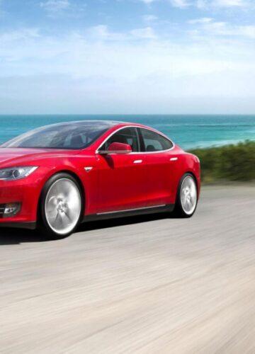 Под отзыв попали электрокары Tesla Model S