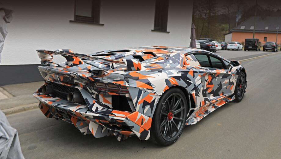 В сети появилось видео новой Lamborghini Aventador SVJ