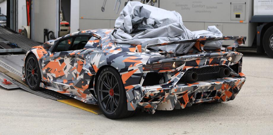 В сети появился видеоролик новой Lamborghini Aventador SVJ