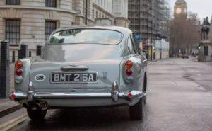 Знаменитый автомобиль с захватывающим множеством гаджетов, вдохновленных фильмом, но нельзя ездить по дорогам общего пользования.