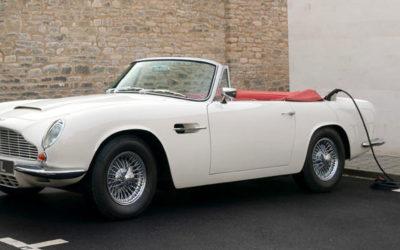 Aston Martin создает реверсивные электрические классические автомобили