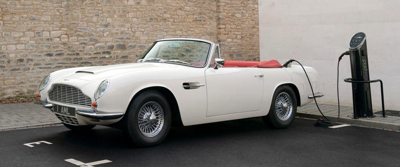 Но вместо того, чтобы отправлять свои классические автомобили в учебники истории, Aston Martin обнародовал планы по обновлению своих моделей наследия.